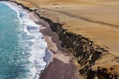 Linia brzegowa, Paracas Krajowa rezerwa, Ica region, Peru Paracas pustynia Atacama pustynia Falezy w Paracas obywatelu Zdjęcie Stock