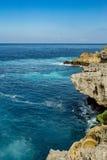 Linia brzegowa przy Nusa Penida wyspą Obrazy Royalty Free