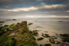 Linia brzegowa Windansea plaża w wczesnym poranku Zdjęcia Stock