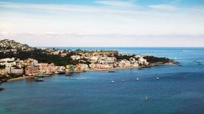 Linia brzegowa zmierzch na Ischia wyspie, Obraz Stock