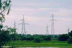 Linia energetyczna na tle przyroda, fotografia stock