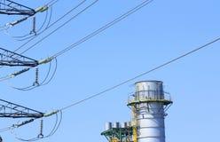 Linia energetyczna wysoki woltaż i elektrownia Obraz Royalty Free