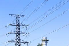 Linia energetyczna wysoki woltaż i elektrownia Zdjęcie Stock