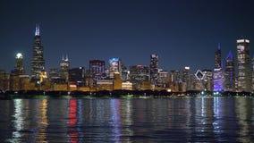 Linia horyzontu Chicago w wieczór zbiory
