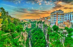 Linia horyzontu Constantine przy zmierzchem Algieria Fotografia Stock