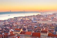 Linia horyzontu Lisbon rzeczny zmierzch Portugalia obraz royalty free