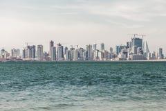 Linia horyzontu Manama miasto, Bahrajn Fotografia Royalty Free