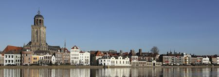 Linia horyzontu miasto Deventer w holandiach obraz royalty free