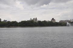Linia horyzontu od central park w środku miasta Manhattan od Miasto Nowy Jork w Stany Zjednoczone Obrazy Royalty Free