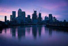 Linia horyzontu przy świtem, Londyn, Canary Wharf Obraz Royalty Free