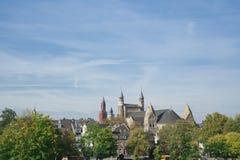 Linia horyzontu, Sint Janskerk, kościół w warownym mieście Maastricht holandie zdjęcie royalty free