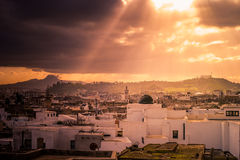 Linia horyzontu Tunis przy świtem Zdjęcia Royalty Free