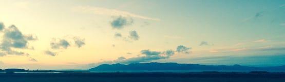 Linia horyzontu widok od hotelowego okno obrazy stock