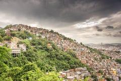 Linia horyzontu widok Rio De Janeiro slamsy Morro dos Prazeres na mounta zdjęcia royalty free