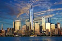 linia horyzontu zmierzchu Manhattan zdjęcia stock