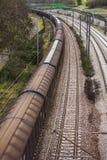 Linia kolejowa i omijanie pociąg obraz stock