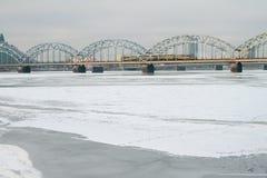 Linia kolejowa most przez Daugava łotwa Riga Zdjęcie Stock
