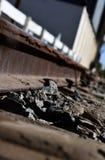 Linia kolejowa pociągu śladu Przemysłowy tło, Stary Kolejowy dojeżdżającego transportu rocznika stylu wizerunek fotografia stock