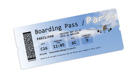 Linia lotnicza abordażu przepustki bilety Paryż odizolowywali na bielu Obrazy Royalty Free