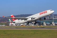 Linia lotnicza Aerobus A330 zdjęcia stock