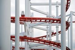 Linie der roten Achterbahnschiene Stockbilder