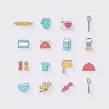 Linie Ikonen eingestellt in flaches Design Elemente des Kochens von Nahrungsmitteln und von Ausrüstung Lizenzfreies Stockfoto