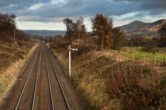Linie kolejowe od budka Edale z Mama Tor w Szczytowym okręgu Obraz Stock