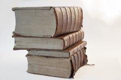 Linie von alten Büchern lizenzfreies stockfoto