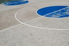 Linien auf Sportfeld, des im Freien Grundsonderkommando Basketballplatzes Stockfoto