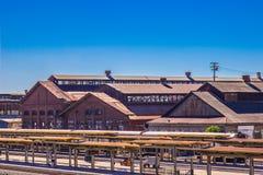 Linii kolejowej stacja Obok rocznik linii kolejowej utrzymania jarda Fotografia Royalty Free