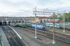 Linii kolejowej zajezdnia dla naprawy i utrzymania elektryczne lokomotywy, dieslowskie lokomotywy i pociągi, Obraz Stock