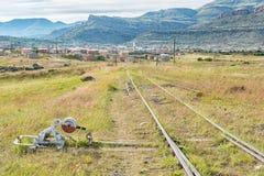 Linii kolejowej zmiana przy disused linii kolejowej stacją przy damą Popielatą Obraz Stock