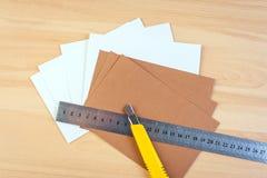 Linjal för pappers- skärare royaltyfri bild