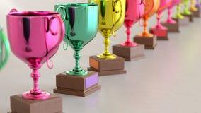 Linje av Vibrantly kulöra Trophys på enkla ljusa Grey Surface Vektor Illustrationer