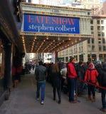 Linje för den sena showen med Stephen Colbert, Ed Sullivan Theater, CBS studio 50, NYC, USA royaltyfria foton