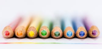 Linje för färgblyertspennaregnbåge Royaltyfria Bilder