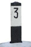 Linje för järnvägruttstång milmarkör i svartvit isolerad järnväg för avståndskilometer för nummer 3 närbild för fläck för milstol Royaltyfria Foton