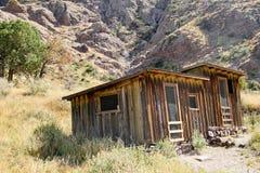 Linje för tappningcowboystaket kabin #6 Arkivfoto