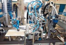linje maskin för fabrik för automationbyggnad e Arkivfoto