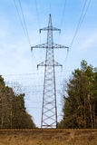 linje ström Hög-spänning linjer elektricitet Royaltyfri Fotografi