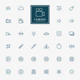 linje symboler för kamera 32 och video Royaltyfria Bilder