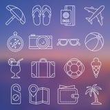 Linje symbolsuppsättning på ämnet av turism och resanden Royaltyfri Illustrationer