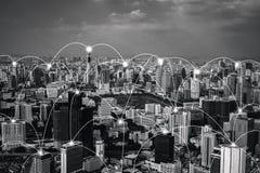 Linjer för anslutning för Digitalt nätverk av Sathorn, Bangkok centrum, Thailand Finansiell områdes- och affärsmitt i smart stads arkivfoto