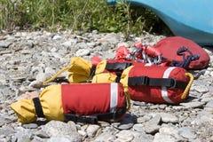 linjer räddningsaktionflodkast Arkivfoto