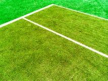 Linjerna skär av tennisbanan Arkivbilder