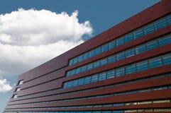Linke Seite des nationalen Musik-Forumgebäudes in Breslau Lizenzfreie Stockfotografie