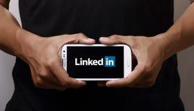 Linkedin auf Smartphone Stockfotografie