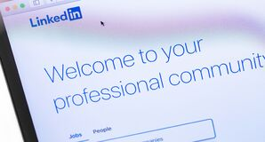 Free LinkedIn Webpage On The Screen Notebook. Stock Photography - 179246312