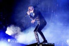 Linkin Park muzyczny zespół wykonuje w koncercie przy ściąganie ciężkiego metalu festiwalem muzyki zdjęcie royalty free