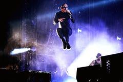 Linkin Park muzyczny zespół wykonuje w koncercie przy ściąganie ciężkiego metalu festiwalem muzyki zdjęcia stock